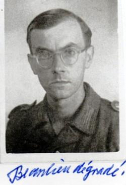 """""""Beaulieu dégradé"""" inscrit sur la photo de 1943 par mon père."""