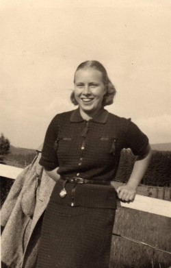 Eva John Gordon vers 1942