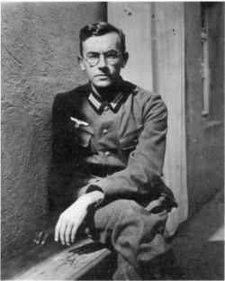 F. de Beaulieu vers 1942