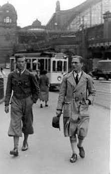 P. Stewart et F. de Beaulieu à Cologne vers 1936.