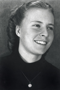 Eva John
